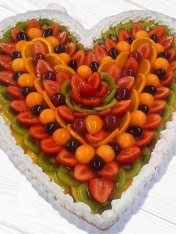 Torta-Cuore-Crema-Pasticcera-e-Frutta