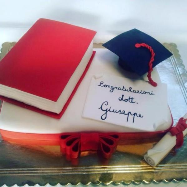 Pasticceria modenese torta laurea cake design con libro for Laurea in design