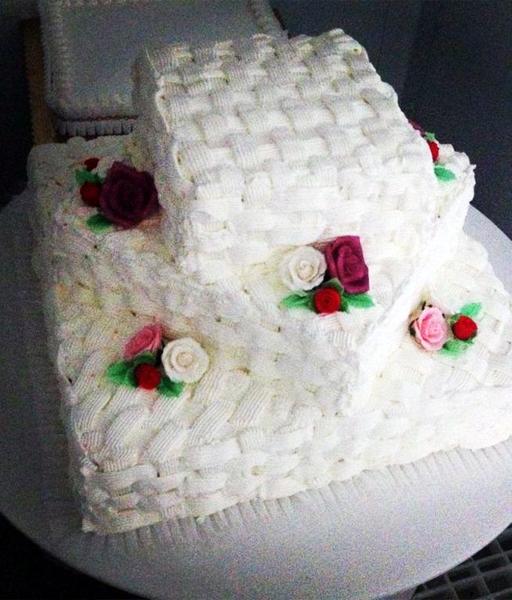 torta-matrimonio-effetto-intrecciato-modenese